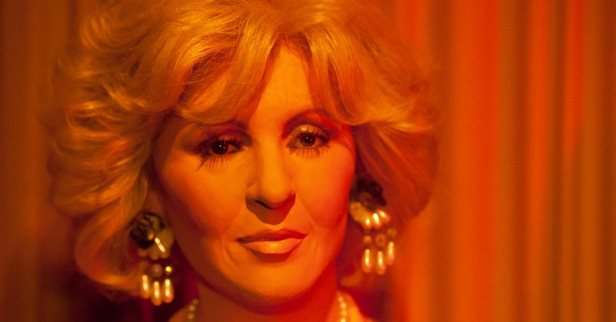 Tammy Wynette wax figure