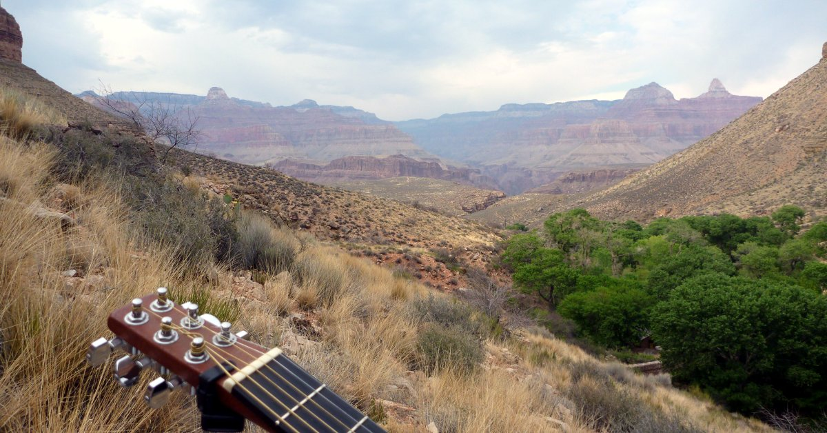 Backpacker Guitar in Grand Canyon