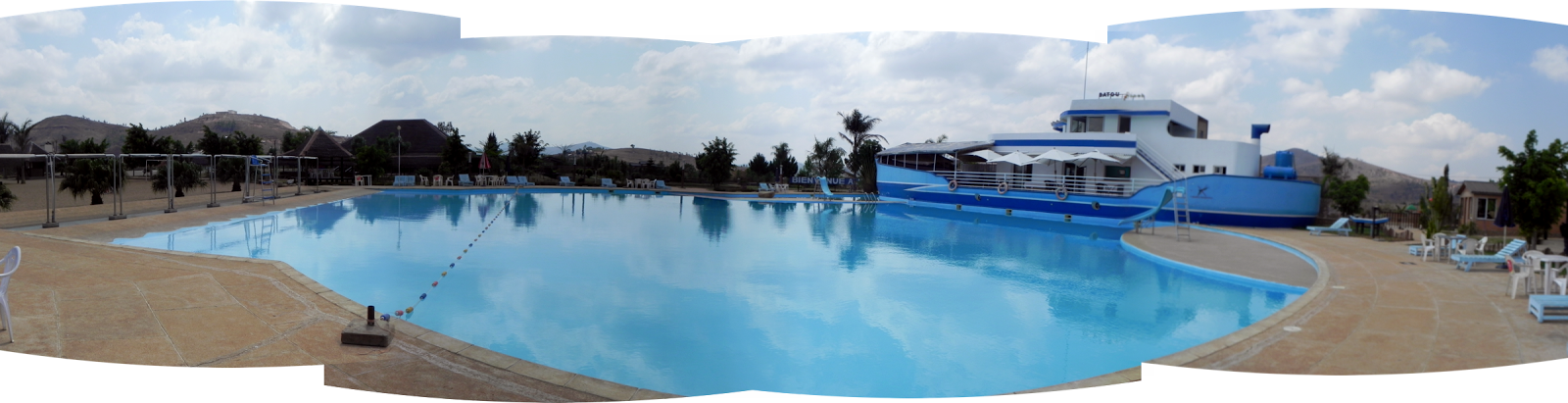 Batou Beach Pool