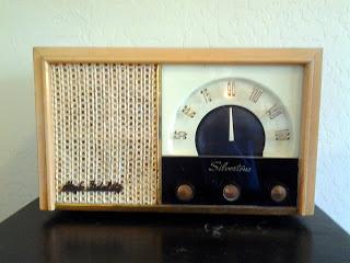 Silvertone 5017 Tube Radio